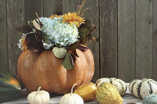The Centerpiece: Pumpkin Vase
