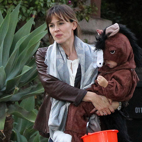 Ben Affleck and Jennifer Garner Trick-or-Treating