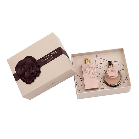 This Valentino Valentina Assoluto Fragrance Gift Set ($120) is for the woman on your list who loves all things girlie. Not only is the packaging covered in pink flowers, but the juice is also filled with pretty floral notes.