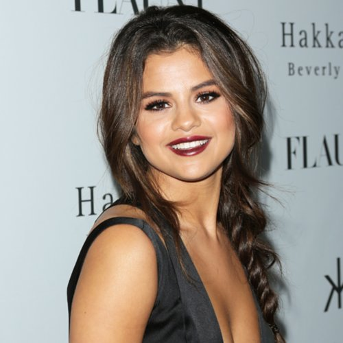Celebrity Beauty: Selena Gomez Dark Lipstick & Hair In Braid