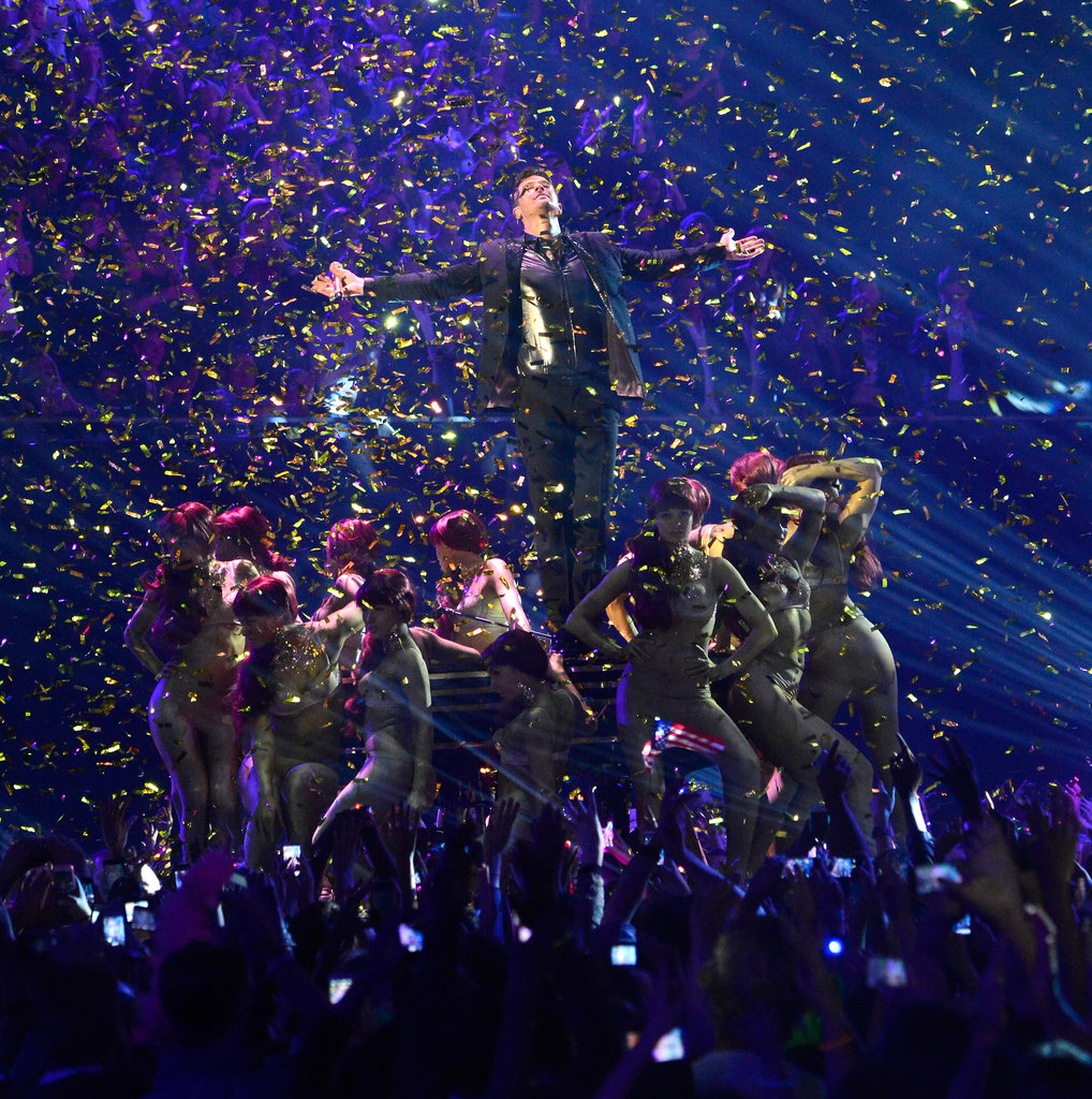 Robin Thicke performed on stage at the MTV EMAs.