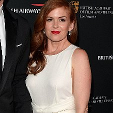 Isla Fisher in White Dress at BAFTA LA Awards