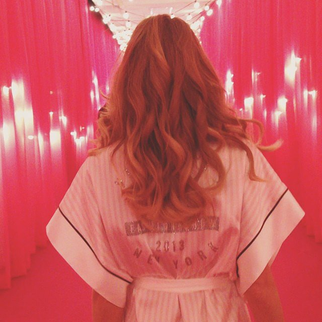 Bouncy Victoria's Secret curls in all their glory. Source: Instagram user lindsellingson