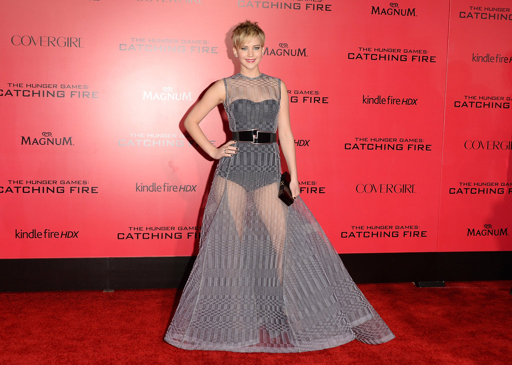 Jennifer Lawrence posed for pictures at the Catching Fire premiere.