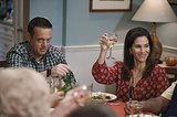 The Neighbors Marty (Lenny Venito) and Debbie (Jami Gertz) host Thanksgiving on The Neighbors.
