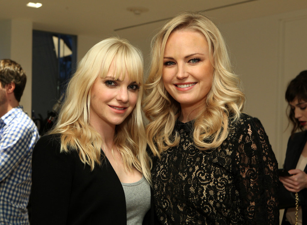Anna Faris and Malin Akerman posed together during the event.