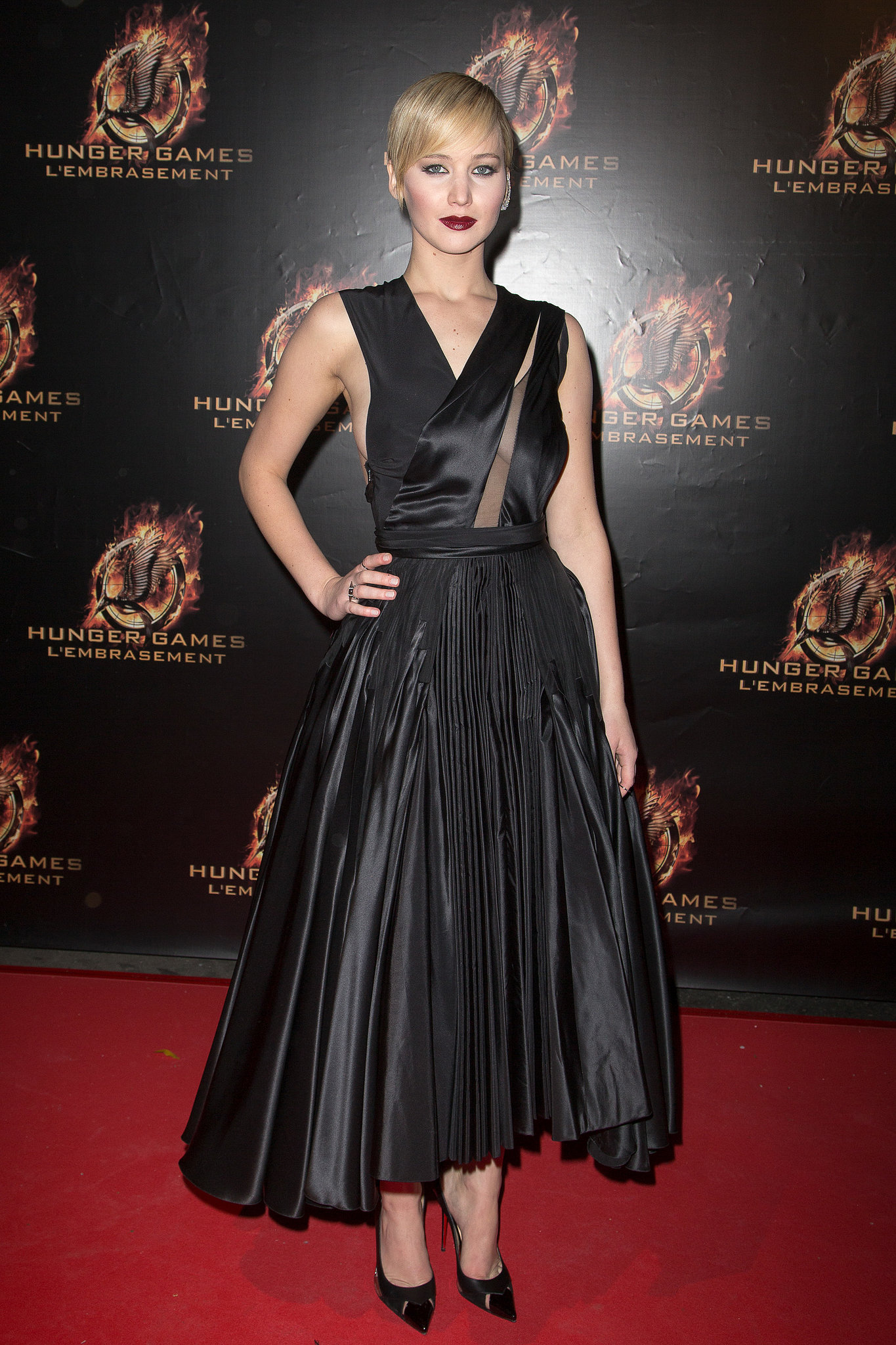 Jennifer lawrence in black dior haute couture dress who for To have and to haute dress