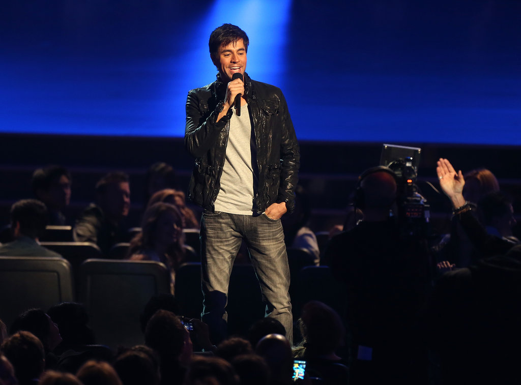 Enrique Iglesias grabbed the mic.