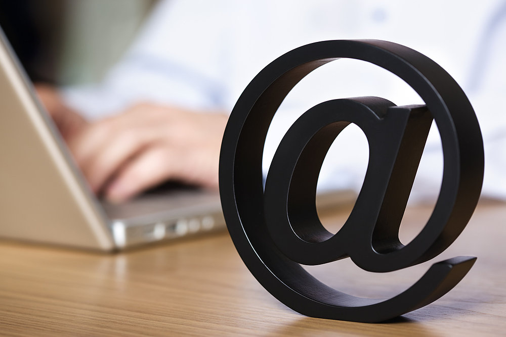Delay Your Outgoing Emails By a Minute