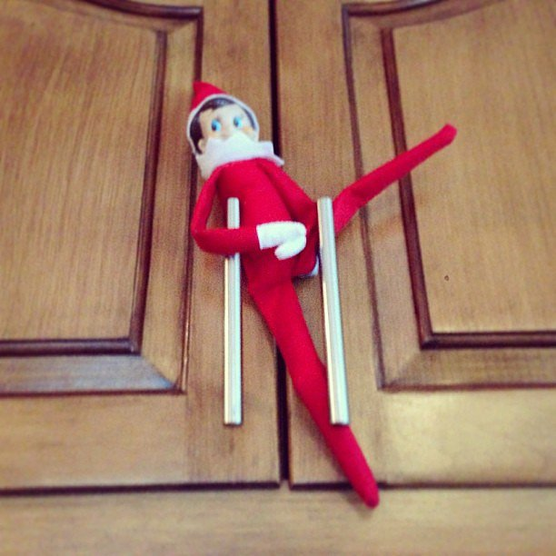 Tori Spelling's Gymnast Elf