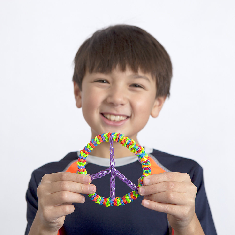 How to Make the Ultracool Rainbow Loom Peace Sign
