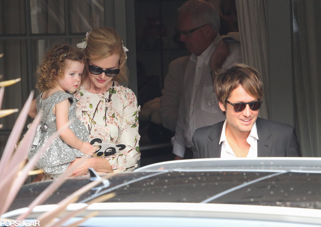 Nicole Kidman held her daughter Faith as Keith Urban led the way at Nicole's parents' 50th anniversary bash in Sydney, Australia.