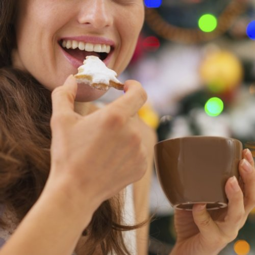 Foods Pregnant Women Should Avoid at Christmas