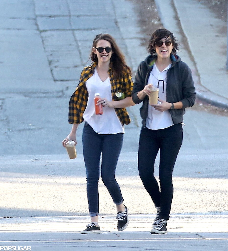 Kristen smiled with her friend.
