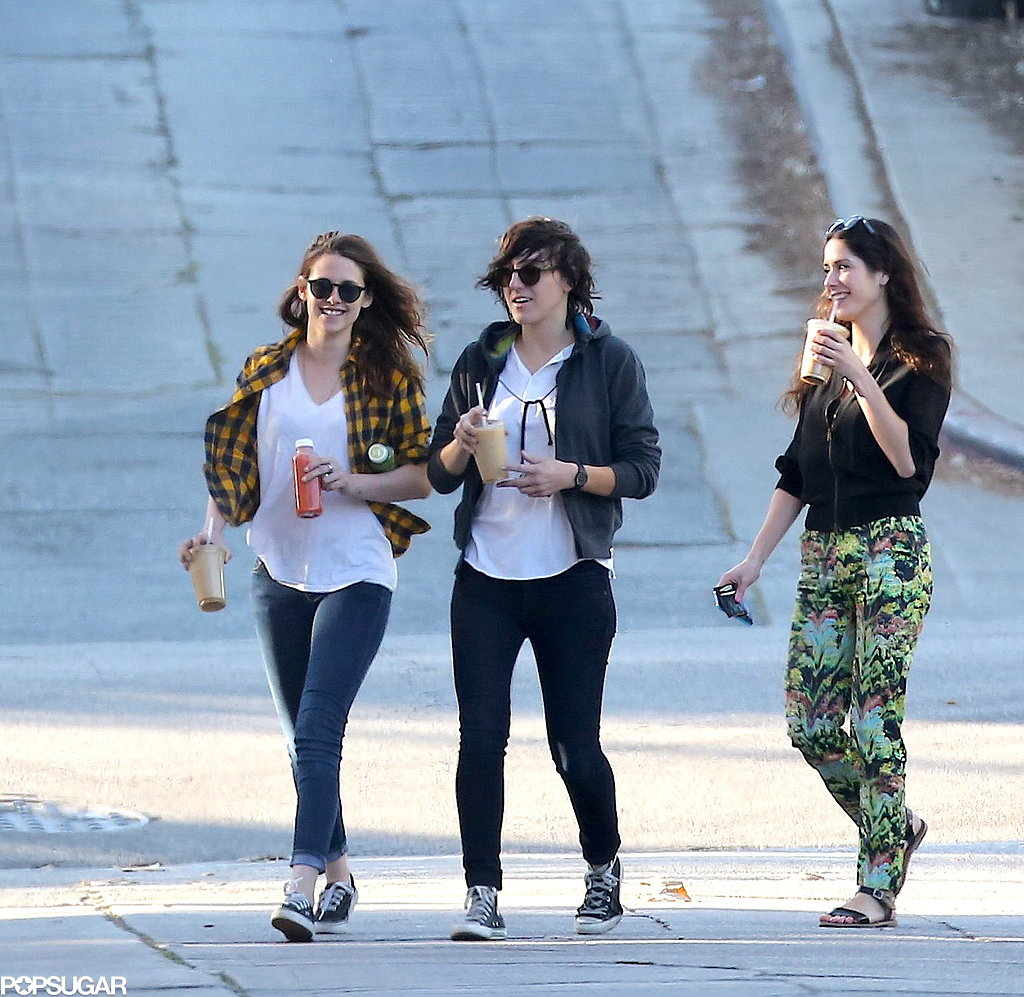 Kristen and her friends strolled around LA.
