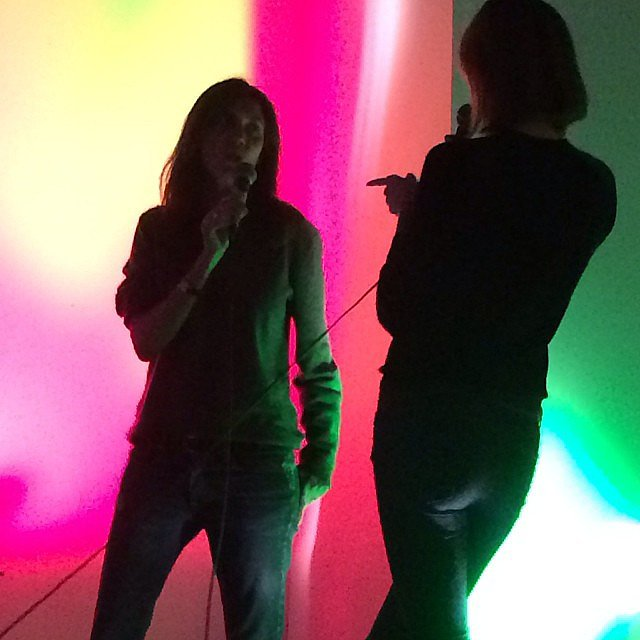 Karlie Kloss and Emmanuelle Alt wrapped up their last shoot of 2013 with a karaoke session — just an ordinary night! Source: Instagram user karliekloss