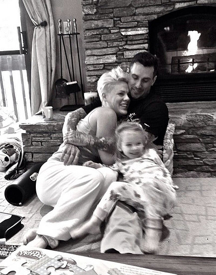 Pink cozied up with her husband, Carey Hart, and their daughter, Willow. Source: Twitter user Pink