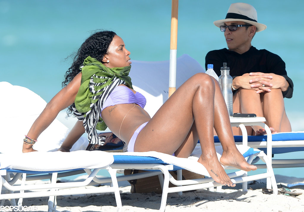 Kelly Rowland sported a purple bikini in Miami.
