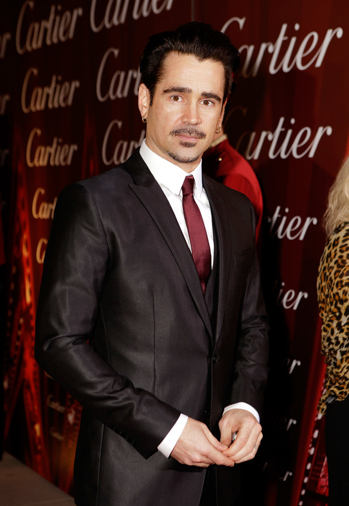 Colin Farrell wore a red tie.