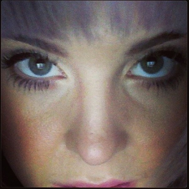 Bold lashes brought out the color of Kelly Osbourne's eyes. Source: Instagram user kellysobourne