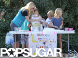 Gwyneth Oversees Her Kids' Adorable Organic Lemonade Stand