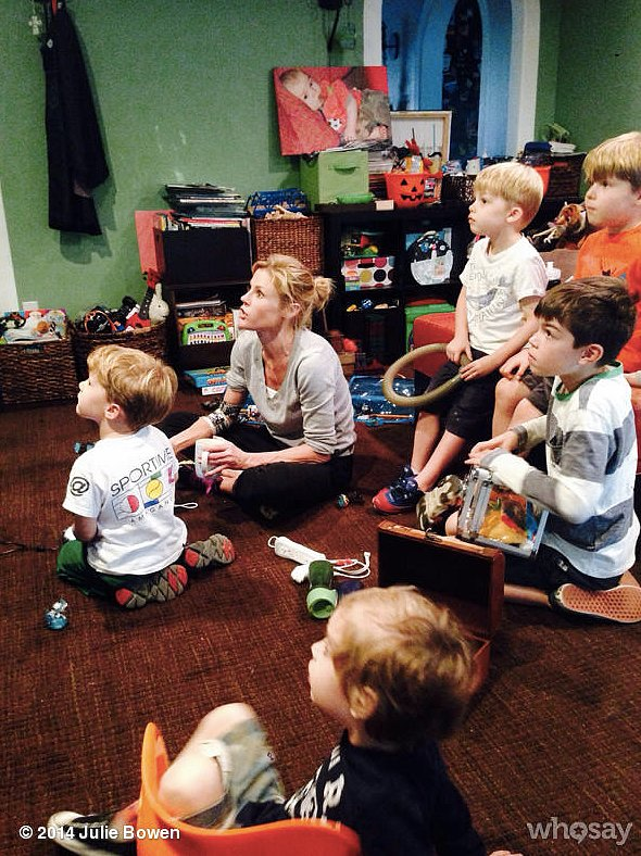 Julie Bowen showed her Skylanders prowess with her boys and their friends as onlookers. Source: Julie Bowen on WhoSay