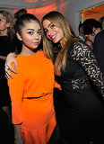 Sarah Hyland and Sofia Vergara met up inside the bash.
