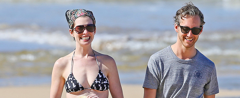 Anne Hathaway Accessorises Her Bikini With a Bandage