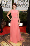 Sarah Hyland wore a gorgeous pink gown to the Golden Globes.