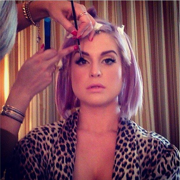 Kelly Osbourne showed how she got those glamorous eyes. Source: Instagram user kellyosbourne