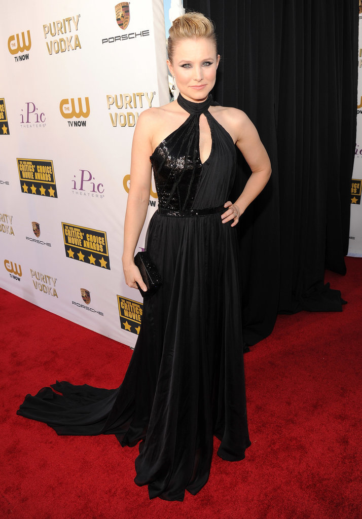 Kristen Bell flaunted her figure in a black keyhole gown.