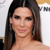 Sandra Bullock Hair and Makeup Critics' Choice Awards 2014