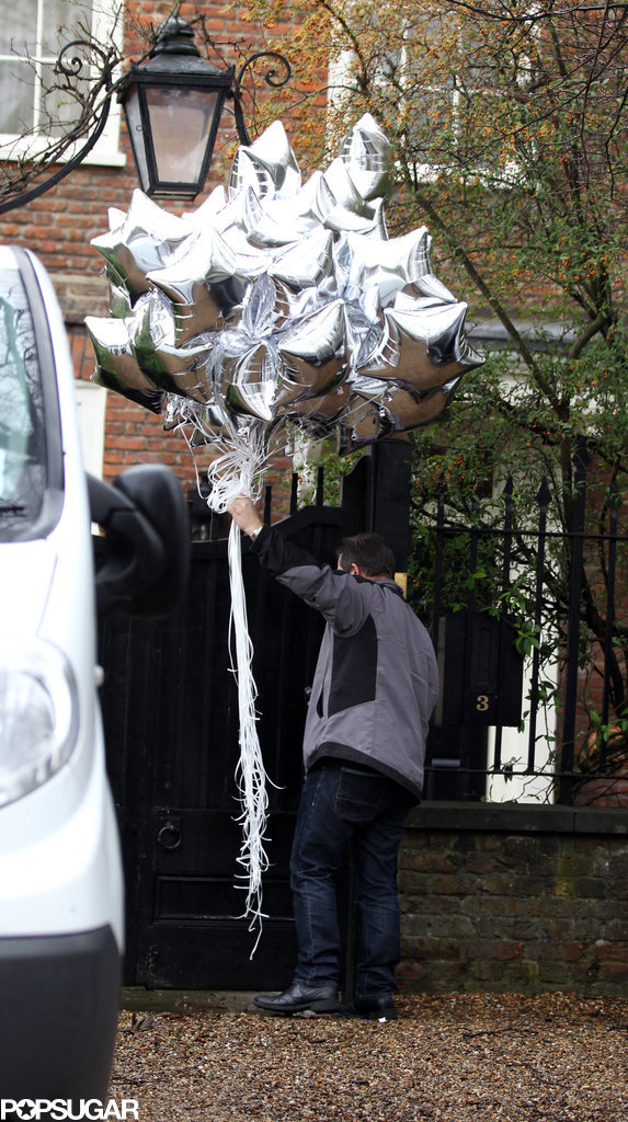 Kate also got a big gift of silver star balloons.
