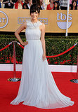 New Girl's Hannah Simone arrived in a Marchesa gown and a Dionea Orcini ring for her night at the SAG Awards.