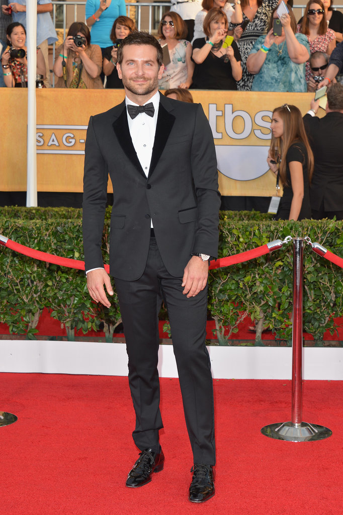 Bradley Cooper made us swoon as he arrived at the SAG Awards.
