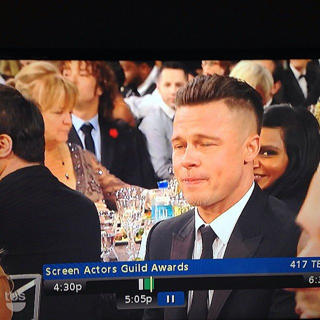 Mindy Kaling posted a hilarious screenshot of her sitting behind Brad Pitt. Source: Instagram user mindykaling