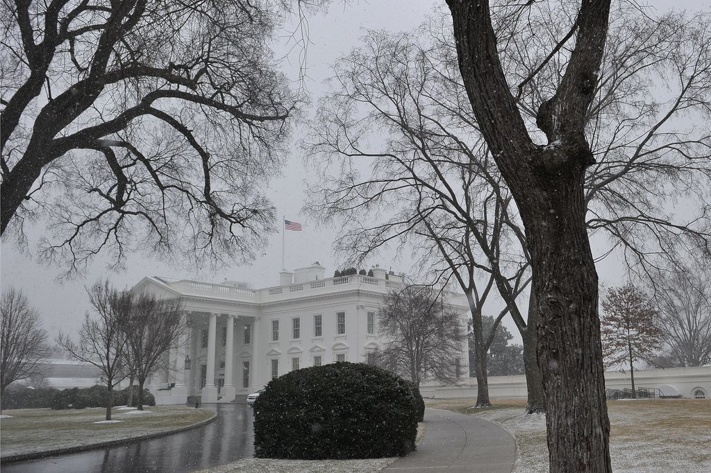 Heavy snowfall hit the White House in Washington DC.