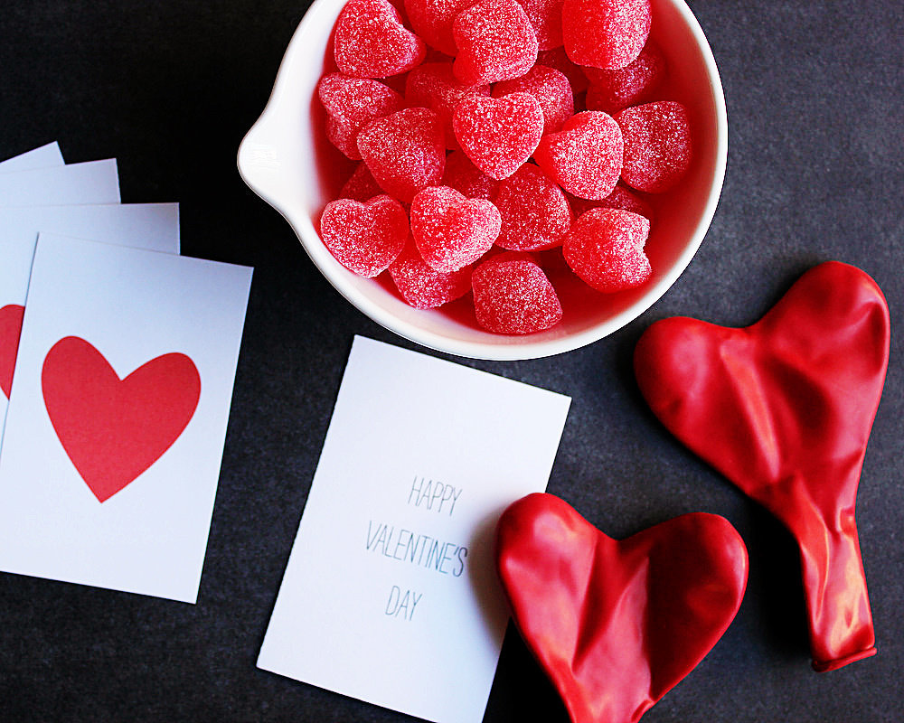 18 Heart-Melting DIYs For a Valentine's Day Bash
