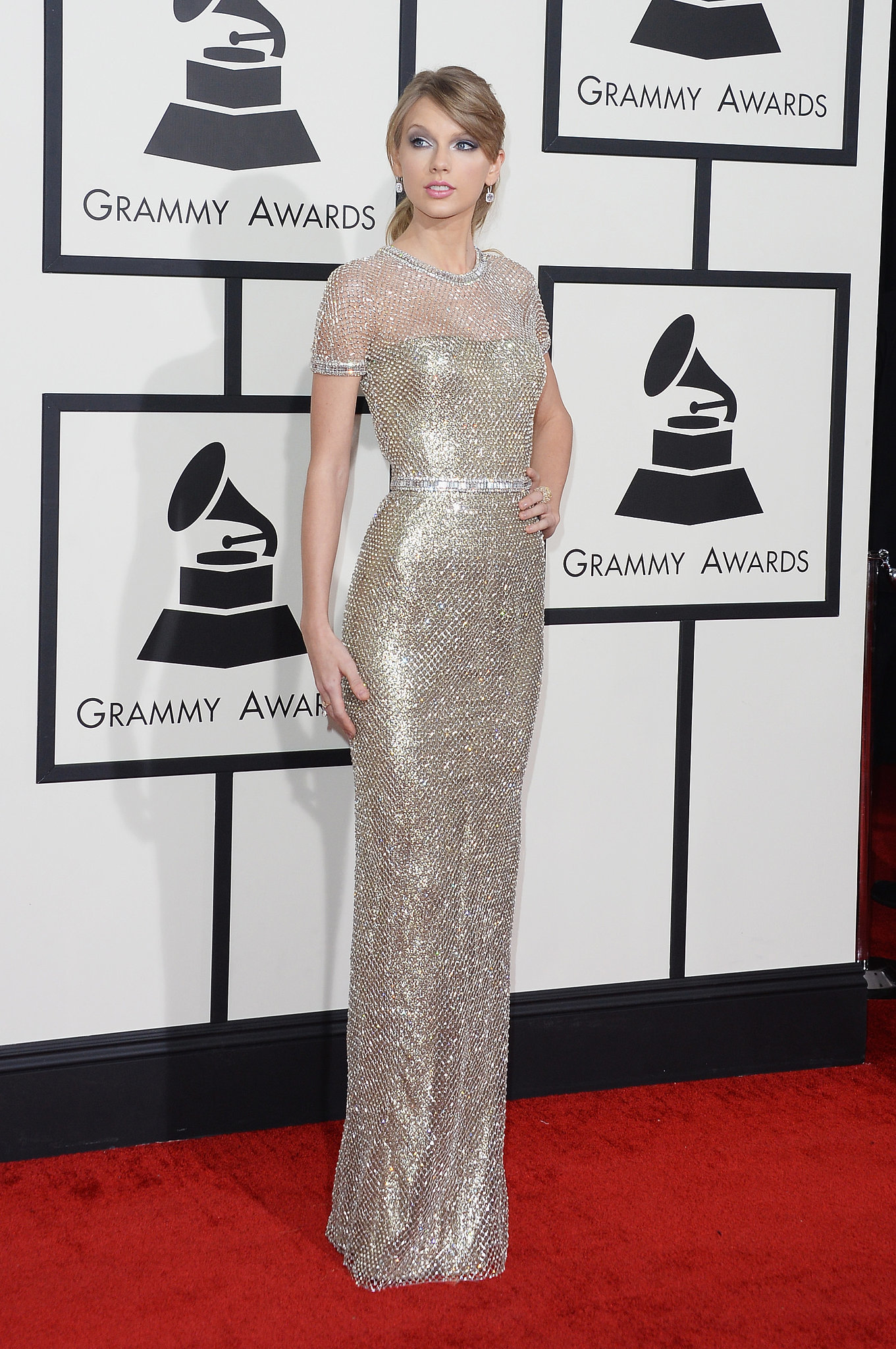 Taylor Swift Red Grammy Awards Dress Ups With Net Silver Gown