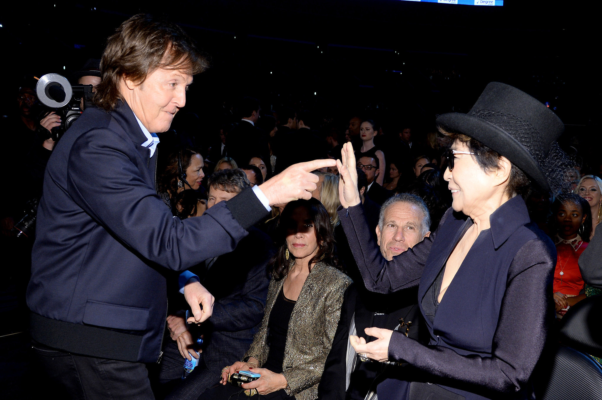 Paul McCartney and Yoko Ono shared a moment.