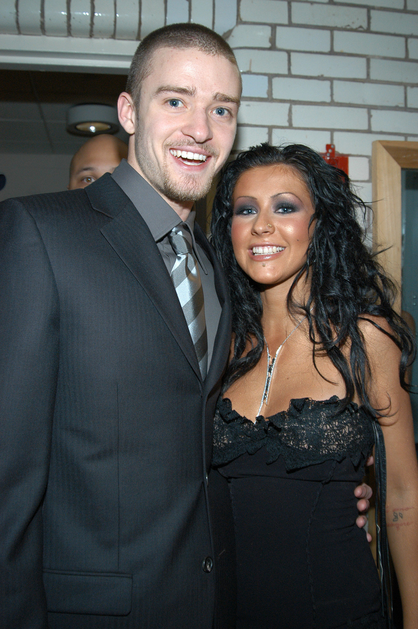 Justin met up with his fellow Mouseketeer Christina Aguilera during the August 2003 MTV VMAs in NYC.