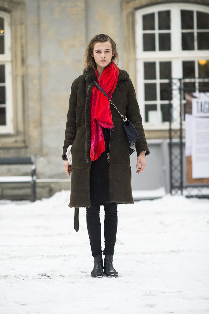 Don't let the Winter shut out your style, add personality with a scarf — that's easy, right? Source: Le 21ème | Adam Katz Sinding