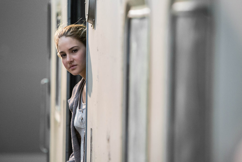 Tris in her Abnegation clothes.