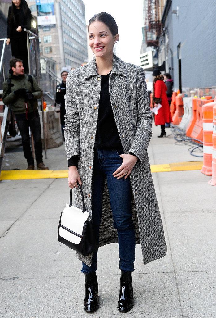 http://media3.onsugar.com/files/2014/02/09/729/n/1922564/1e3da36a40ef7282_468049885_10.jpg.xxxlarge/i/NYFW-Street-Style-Day-3.jpg