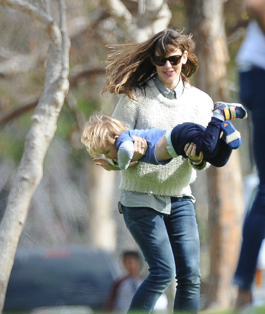 Jennifer Garner Laughs It Up With Her Little Ones