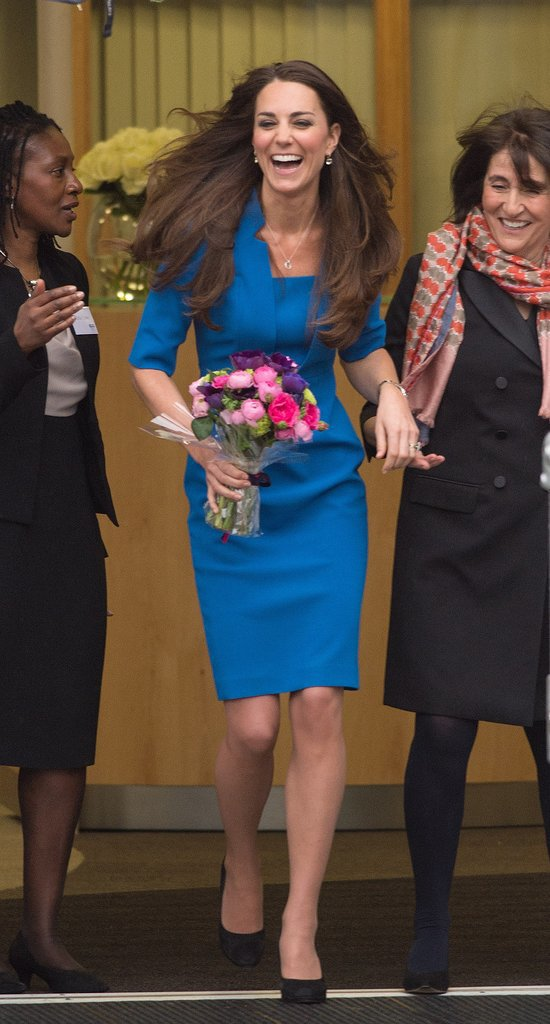 On Friday, Kate Middleton gave a big smile as she attended the opening of an art therapy room in a London school.