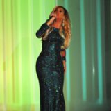 Beyonce Performing XO at 2014 Brit Awards