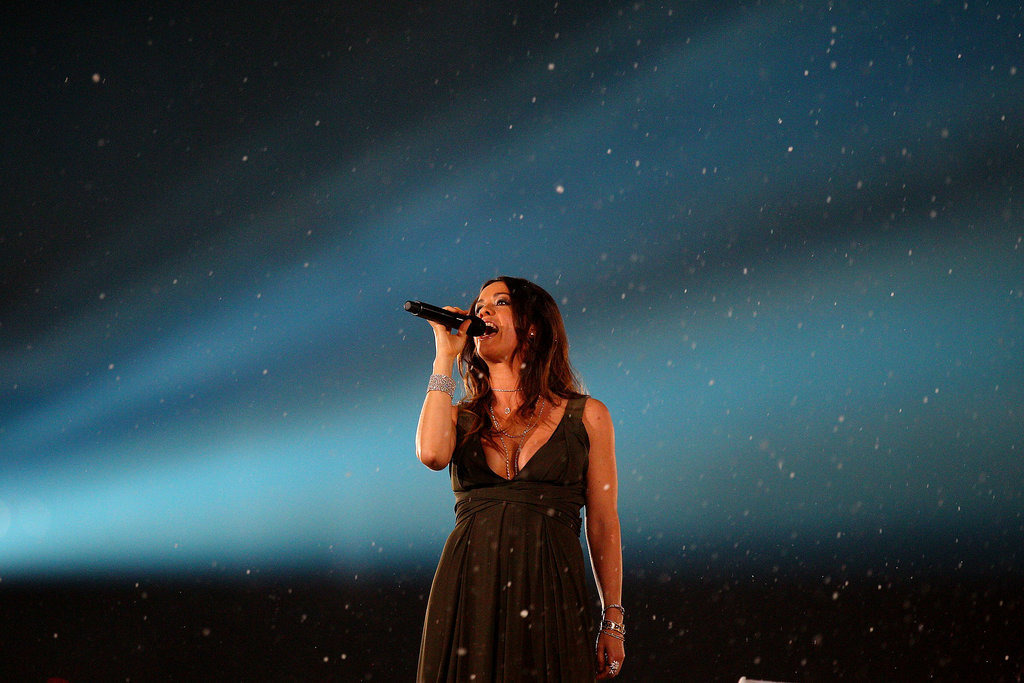 And Canadian singer Alanis Morissette performed.