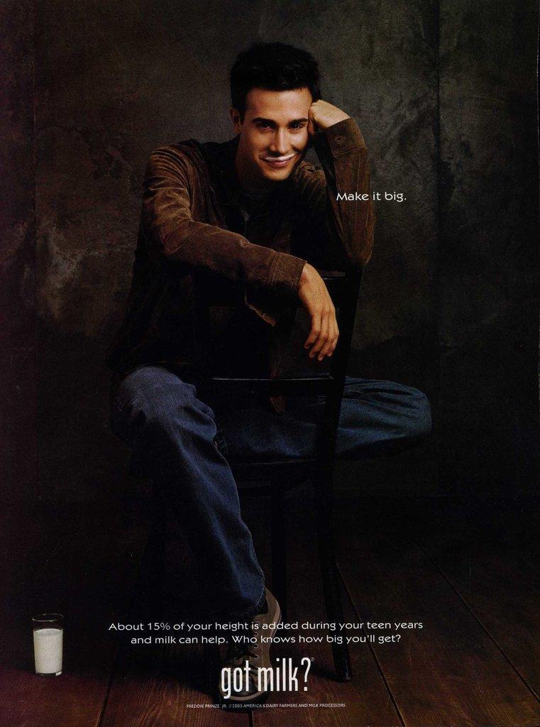 "Freddie Prinze Jr. gave a sweet smirk in his ""Got Milk?"" ad."