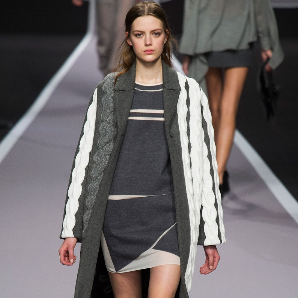 Viktor & Rolf Fall 2014 Runway Show | Paris Fashion Week